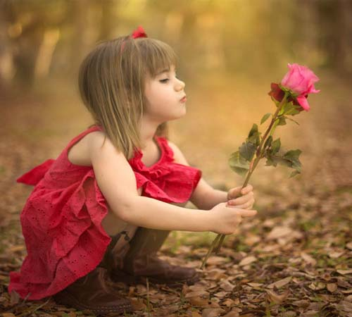 Alone Girl Whatsapp Dp with flowers